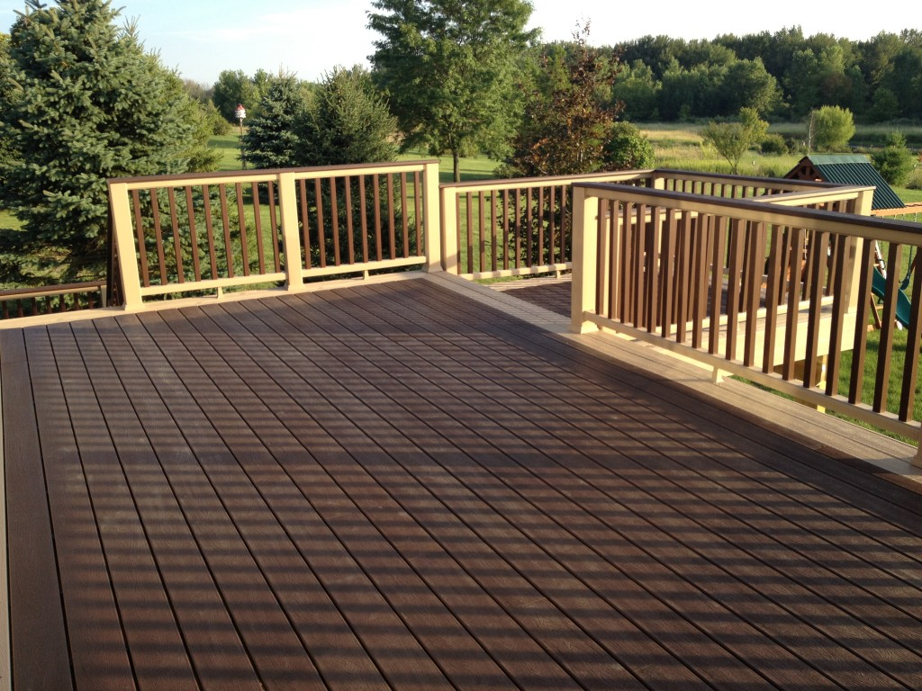 Deck builder grand rapids mi for Composite flooring for decks
